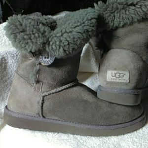 Gray short bailey button authentic UGG boots